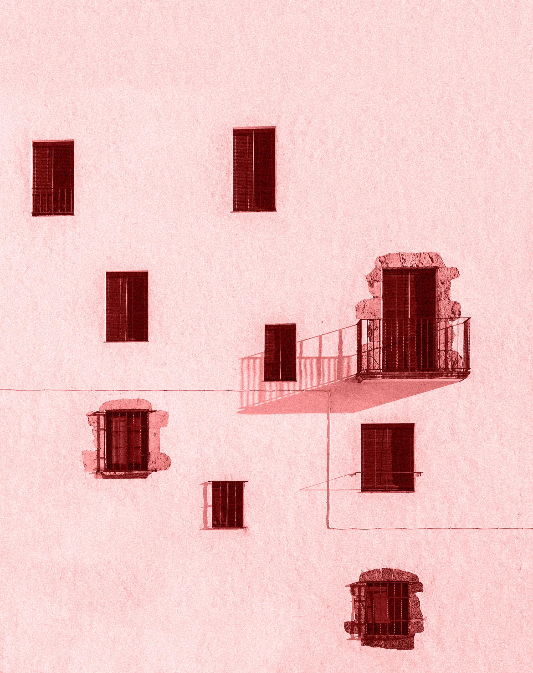 Imagen de una fachada con varias ventanas